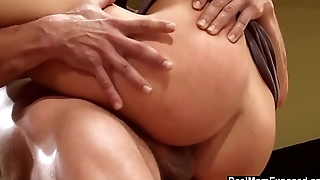 Sexy Mom Eva Torres Fucked Hard On the top of The Table