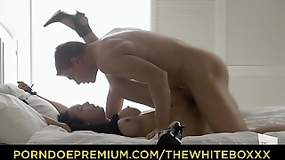 THE WHITE BOXXX - Erotic sex set-to with beautiful Francys Belle